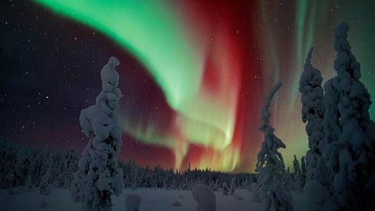 绚烂彩虹不如你 芬兰的北极光