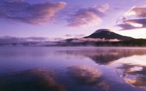紫色日出湖心岛壁纸