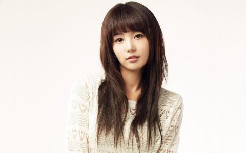 韩国小清新美女南奎丽桌面壁纸