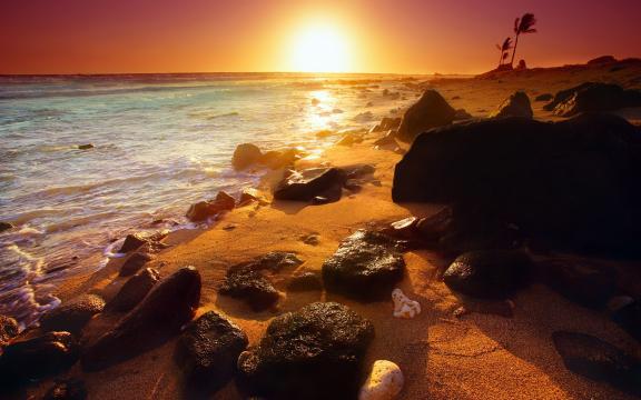 霞映海滩高清风景壁纸