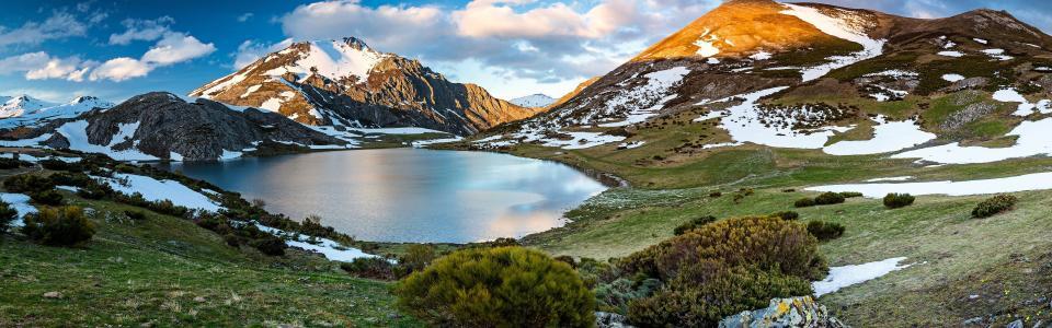 Mountains, lake, snow, Castilla y Leon, Spain wallpaper