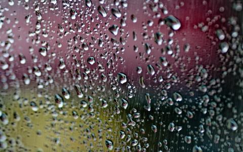 雨滴高清壁纸