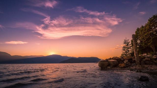 加拿大哈里森湖风景图片