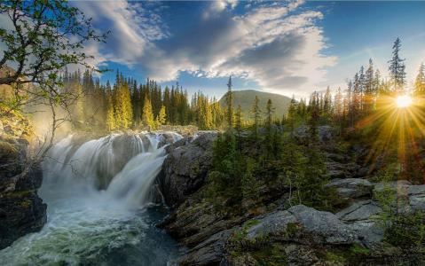 瀑布,日落,河,森林,性质,景观,太阳光线,雾,小山,岩石,松树壁纸