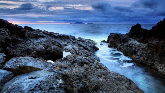 蓝色海岸的壁纸