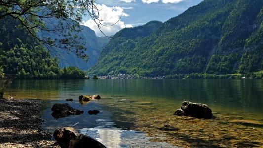 可爱的湖泊壁纸