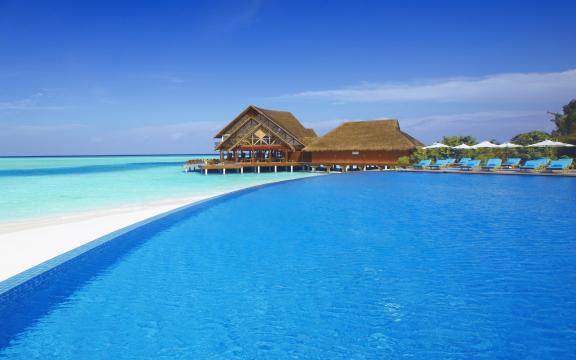 蓝色大海美景壁纸