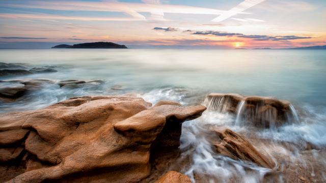海边礁石岩石图片风景