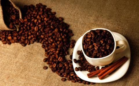 咖啡豆特写,杯,肉桂,袋壁纸