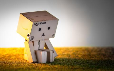 Danbo亚马逊盒子玩具壁纸