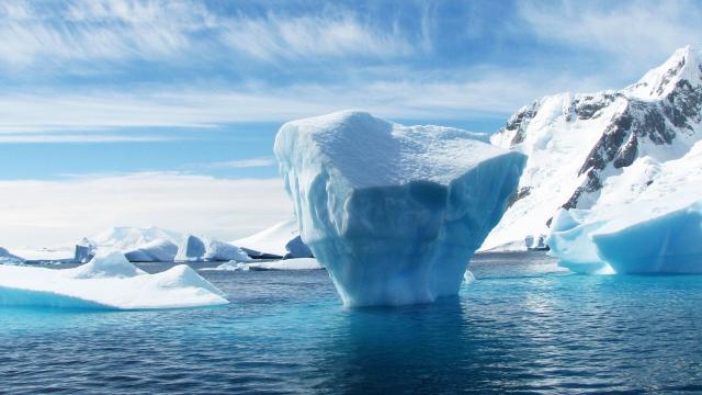 南极洲雪山雪景图片