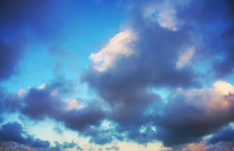 晚上的蓝色壁纸