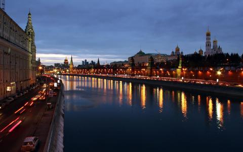 莫斯科市美丽的傍晚,建筑物,房屋,河流,灯光壁纸