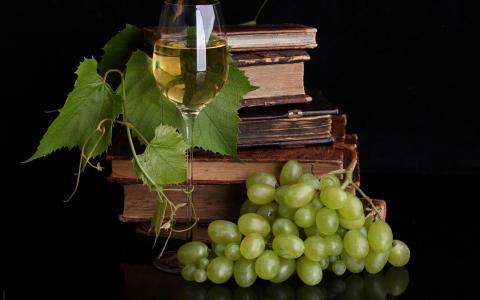 葡萄酒和书籍壁纸