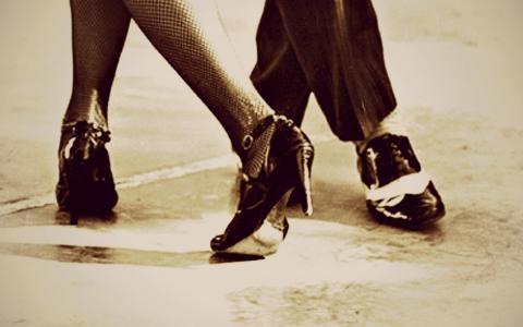 黑色的鞋高跟鞋的女人的腿的探戈人高清壁纸