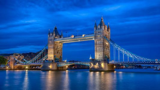 英国,英国,伦敦,首都,河,泰晤士河,塔桥,照明,晚上,蓝色,天空