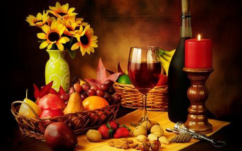 葡萄酒,草莓,坚果,玻璃,红酒,草莓,玻璃,坚果,蜡烛,蜡烛,红酒,葡萄酒