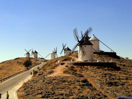 白天的五个白色混凝土风车,consuegra高清壁纸