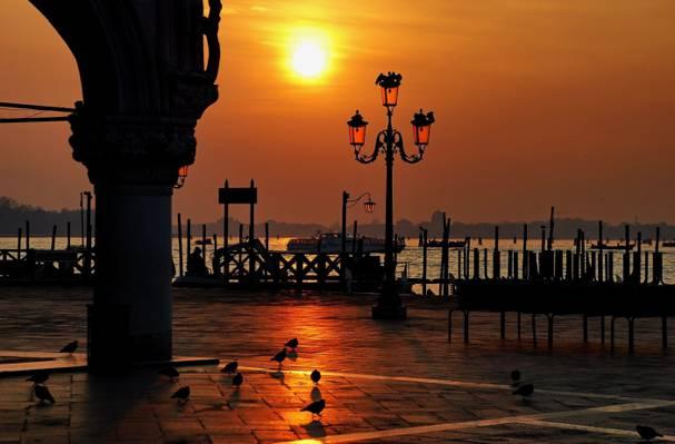 意大利水,圣马可广场,威尼斯总督府,威尼斯日落