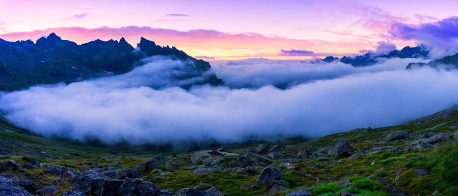 云和白天高清壁纸山