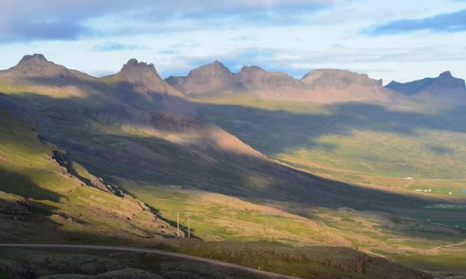 绿色和棕色的山场景观照片,冰岛高清壁纸