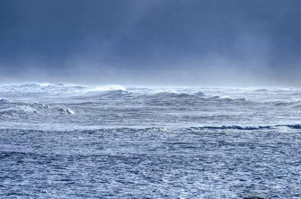 海浪在蓝天下白天高清壁纸