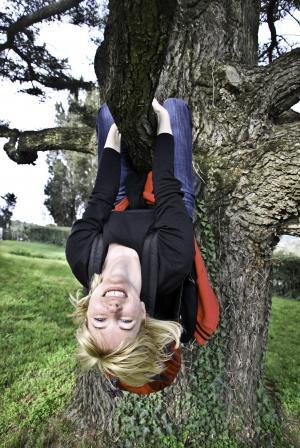 女人, 树, 快乐, 颠倒了, 女孩, 年轻, 女性