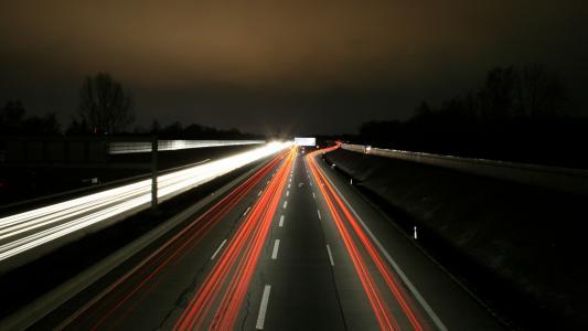 在高速公路上的灯